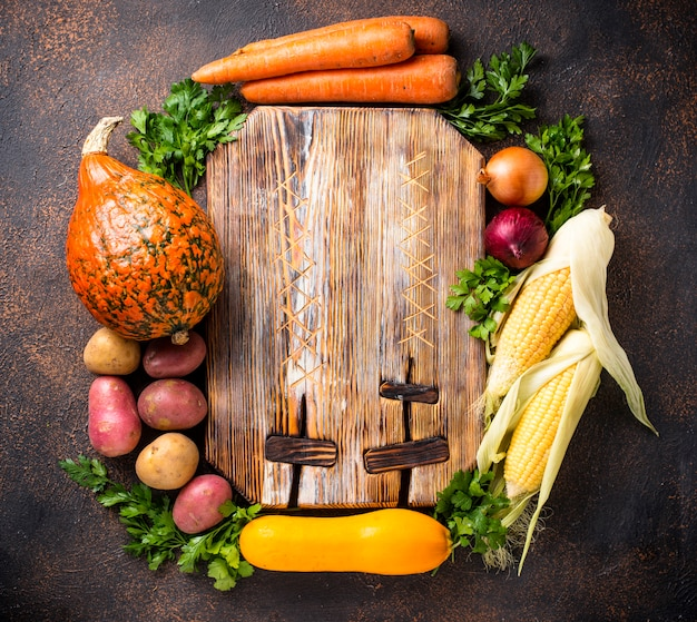 Varie verdure autunnali, concetto di raccolta