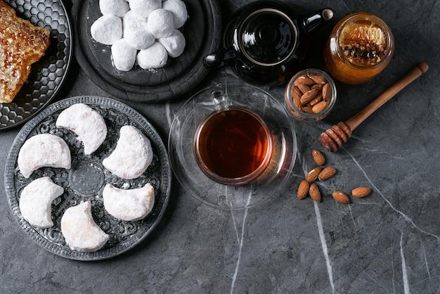 Varietà di biscotti tradizionali dolci greci