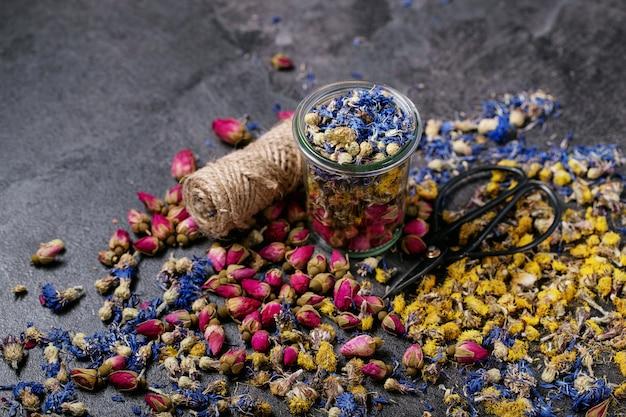 Varietà di fiori secchi