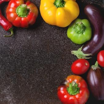 Varietà di peperoni colorati di paprika
