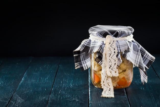 Vasetti di frutta fatti in casa