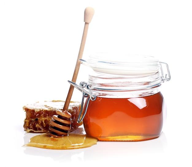 Vaso con miele fresco