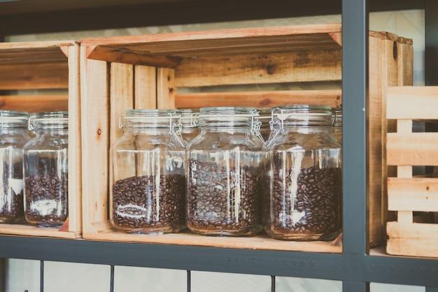 Vaso di chicchi di caffè - filtro vintage