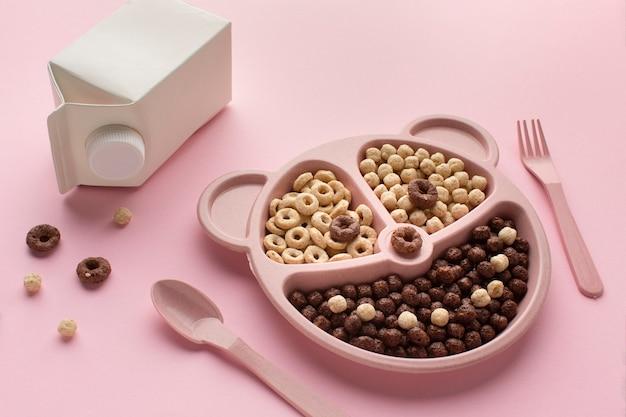 Vassoio di cereali per la colazione primo piano