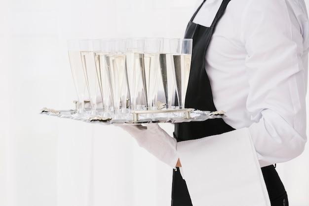 Vassoio portaoggetti con bicchieri