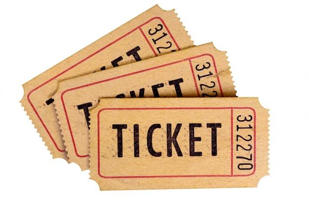 Vecchi biglietti isolati su uno sfondo bianco.
