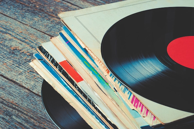 Vecchi dischi in vinile