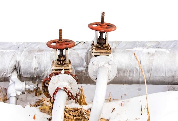 Vecchi rubinetto e tubo rossi