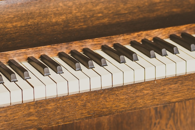 Vecchi tasti del pianoforte vintage