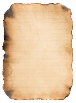 Vecchia annata di carta invecchiata o struttura su fondo bianco