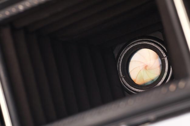 Vecchia apertura della fotocamera, vista interna.