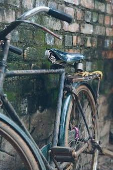 Vecchia bici in kerala, india