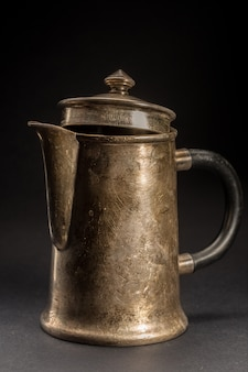 Vecchia caffettiera. teiera vintage