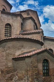 Vecchia costruzione storica della basilica san vitale a ravenna, italia