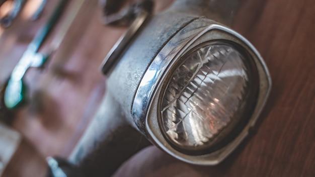 Vecchia lampada del motociclo