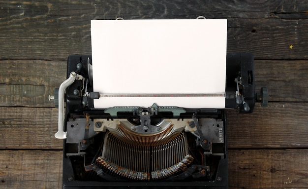 Vecchia priorità bassa della macchina da scrivere