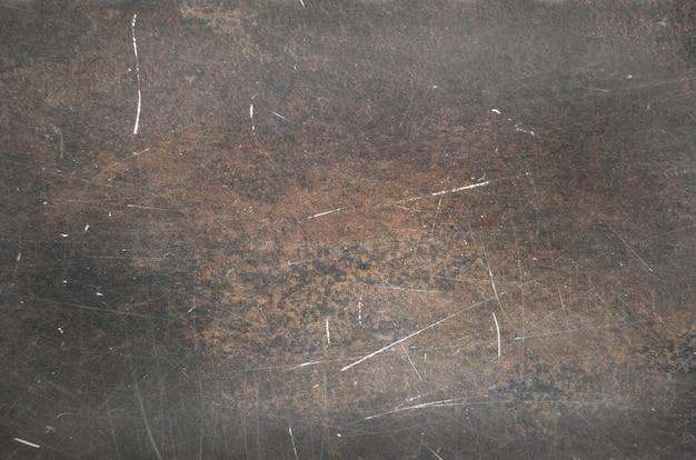 Vecchia struttura di metallo arrugginito con scraches e punti