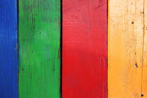 Vecchia tavola di legno multicolor