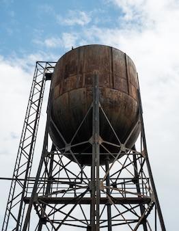 Vecchia torre dell'acqua.