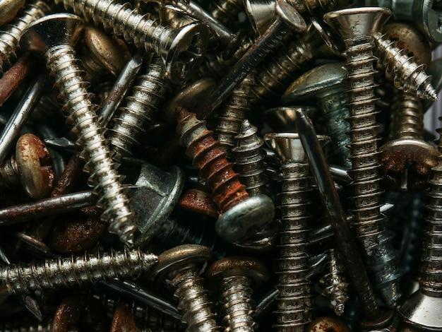 Vecchia vite realizzata in acciaio arrugginito