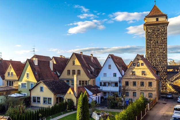 Vecchie case a rothenburg ob der tauber, pittoresca città medievale in germania