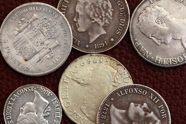 Vecchie monete della spagna del xviii e xix secolo