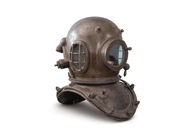Vecchio casco del metallo di immersione subacquea del mare profondo isolato su bianco