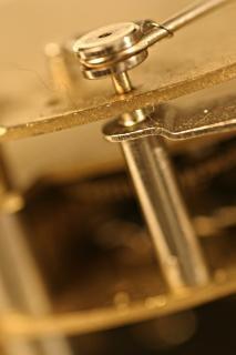 Vecchio colpo marcro orologio, metallico