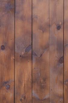 Vecchio fondo di legno strutturato scuro di lerciume, la superficie di vecchia struttura di legno marrone