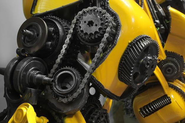Vecchio ingranaggio e catena, parte meccanica