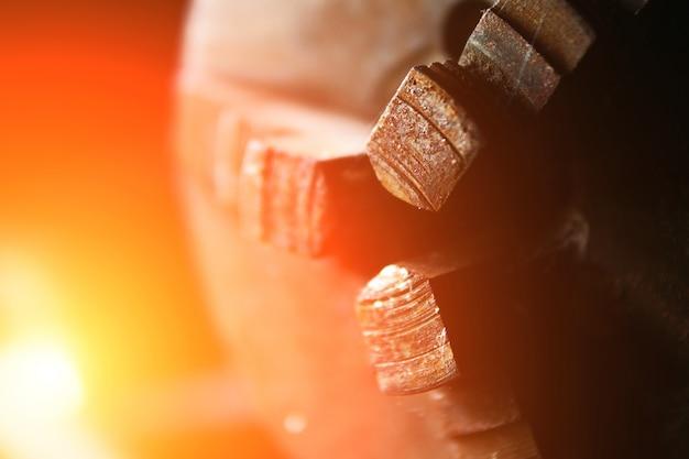 Vecchio mandrino del tornio, primo piano. tornio per legno
