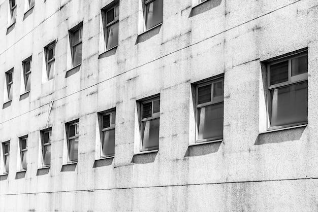 Vecchio modello di finestra in bianco e nero
