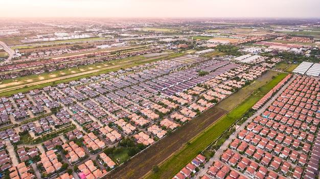 Veduta aerea del complesso residenziale, sparato da drone