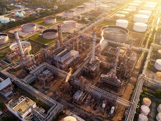 Veduta aerea dell'industria petrolifera e del gas