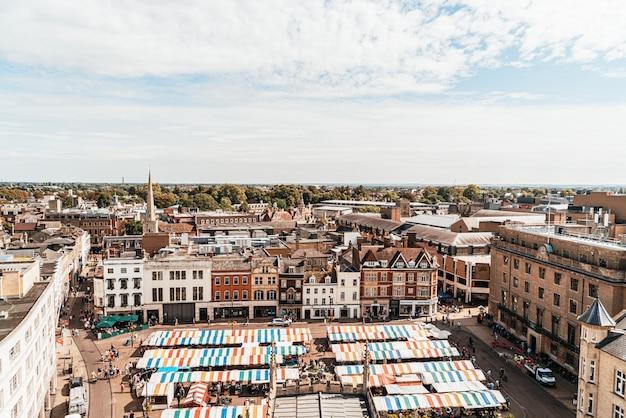 Veduta aerea della piazza del mercato
