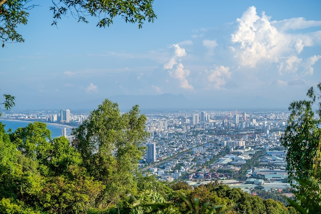 Veduta aerea di aree residenziali e architettura in vietnam