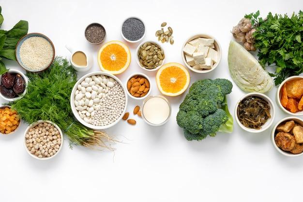 Vegetariano del calcio vista dall'alto di cibo pulito cibo sano