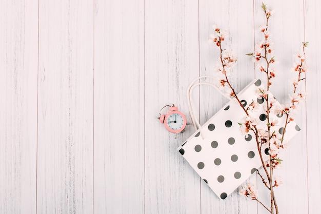Vendita dello shopping moderno e minimal