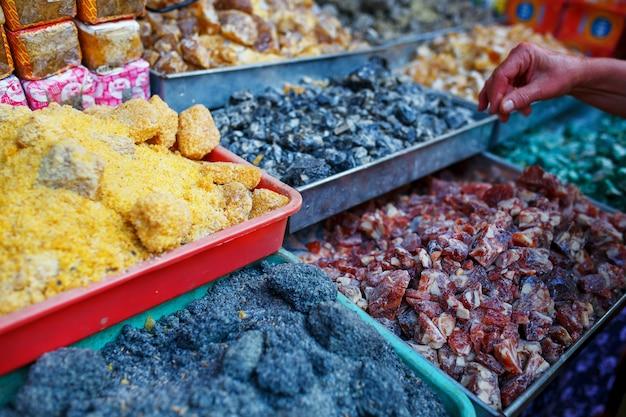 Vendita di spezie nei mercati di goa e di altri stati