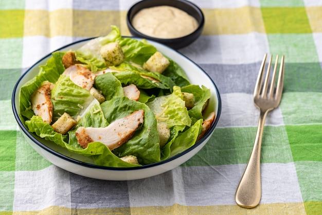 Verdura con insalata di crostini pollo cibo sfondo