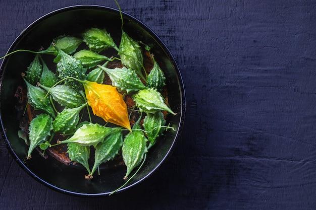 Verdure di zucca amara. cibo sano