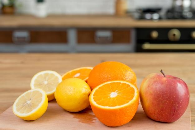 Verdure e frutta sul contro