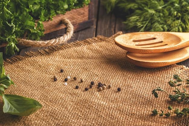 Verdure, erbe aromatiche, spezie sfondo