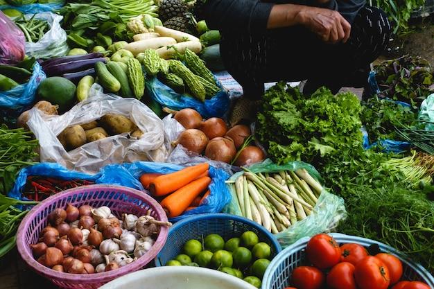 Verdure fresche al mercato