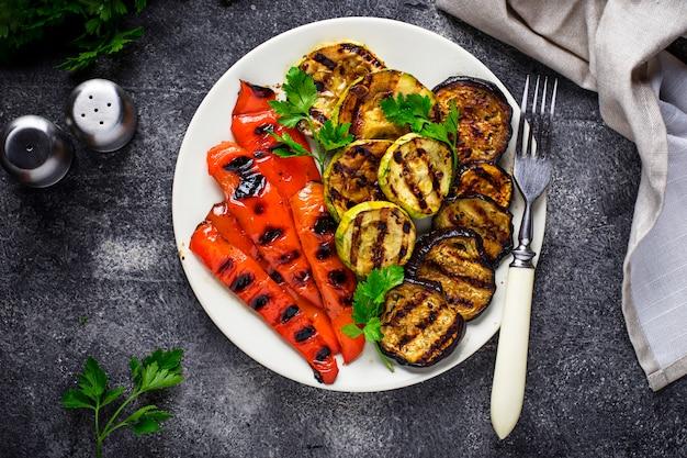 Verdure grigliate, cibo vegan estivo