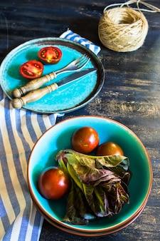 Verdure per insalata estiva