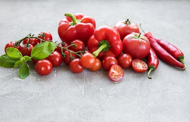 Verdure rosse fresche