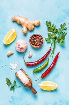Verdure, spezie, erbe closeup