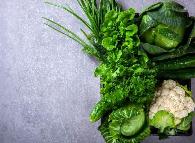 Verdure verdi. concetto di dieta sana o sana