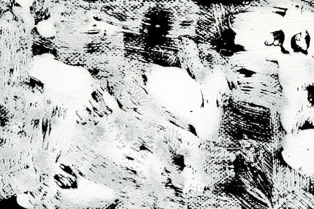 Vernice bianca su nero
